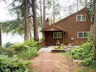 Charming private lake house with private dock (242) - Langley vacation rentals