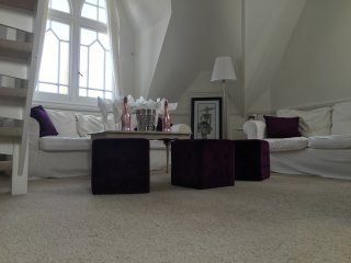 Beautiful penthouse close to town centre - Bournemouth vacation rentals