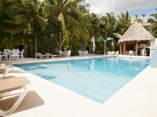Casa Tropical (Brand NEW) 1 block from the beach!! - Playa del Carmen vacation rentals