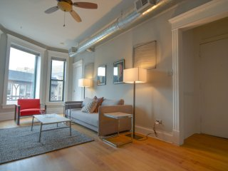 Brownstone Meets Modern Lincoln Park  - Sleeps 8 - Chicago vacation rentals