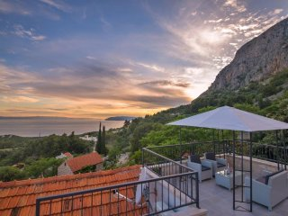 Stone house/pool/gorgeous view/value for money!! - Makarska vacation rentals