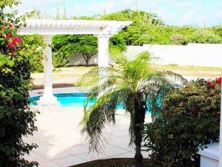 6 bedroom Villa with Internet Access in Oranjestad - Oranjestad vacation rentals
