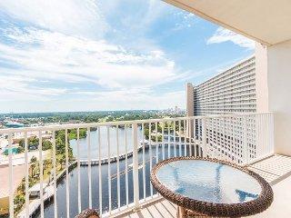 Waterfront W/ Balcony~Gulf Side Hot Tubs~Kids Splash Pad~5 Resort Style Pools - Panama City Beach vacation rentals
