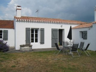 Charming 4 bedroom House in L'Epine - L'Epine vacation rentals