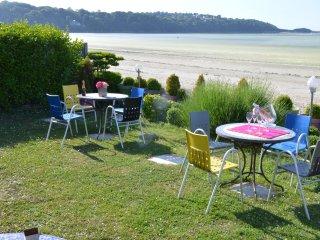 LeBeachHouse -  Vue mer panoramique partout - Plestin les Grèves vacation rentals