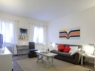 San Crocino Bright, modern apartment - Florence vacation rentals