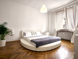 CITY CENTER OPERA ALLEY Apartment Ocean - Vienna vacation rentals