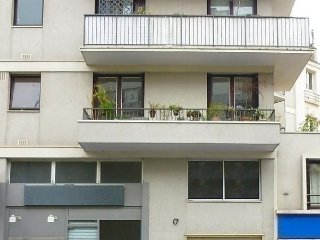 Bright Condo with Short Breaks Allowed and Long Term Rentals Allowed (over 1 Month) - Bagnolet vacation rentals