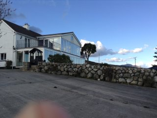 Comfortable 4 bedroom Rostrevor House with Mountain Views - Rostrevor vacation rentals