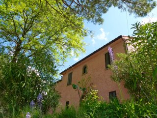 Lake view villa Tuscan Umbrian border - Tuoro sul Trasimeno vacation rentals
