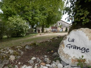 La Grange Grand: private garden pool: hamlet - Vieux-Mareuil vacation rentals