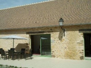 Bright House with Internet Access and Television - Coulans-sur-Gee vacation rentals