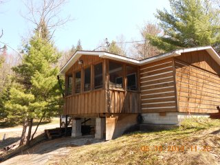 LAKE FRONT 3br COTTAGE - cottage #3 - Sudbury vacation rentals