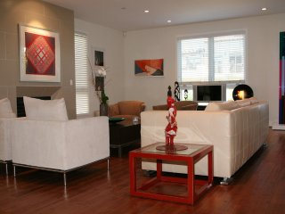 Sophisticated gorgeous condo Westwood  Open April 1 to 16 - Westwood vacation rentals