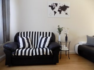 One Bedroom Flat in Harrow 64e - Harrow vacation rentals