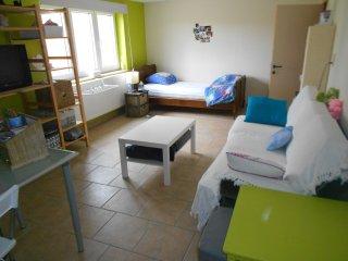 Studio pour vacanciers de passage location nuit - Bouge vacation rentals