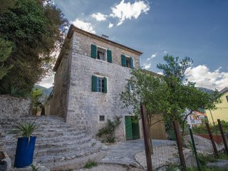 4 bedroom Villa with Deck in Herceg-Novi - Herceg-Novi vacation rentals