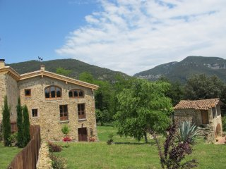 Can Pedragos, for all year walking - Sales De Llierca vacation rentals