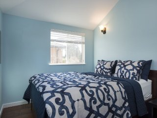 Sunny and spacious garden cottage - Seattle vacation rentals