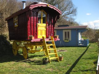 Perfect Shepherds hut with Balcony and Fireplace - Dre-fach Felindre vacation rentals