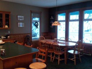 Fantastic Location on the Knoll,  Ski in Ski out. - Silver Star Mountain vacation rentals