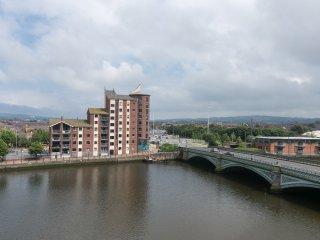 Fantastic 3 bedroom waterfront apt WIFI PARKING - Belfast vacation rentals
