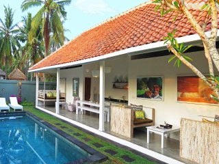 Gili Khumba Villas Two Bedroom - Gili Trawangan vacation rentals