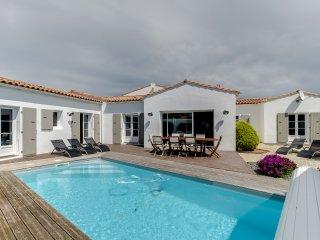 Adorable 4 bedroom House in La Flotte - La Flotte vacation rentals
