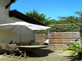 Beautiful House with Internet Access and Shared Outdoor Pool in Seignosse - Seignosse vacation rentals