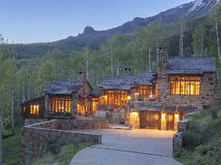 Amazing home with breath-taking views, private hot tub, great outdoor space in Aldasoro Ranch - Villa Mendia - Telluride vacation rentals