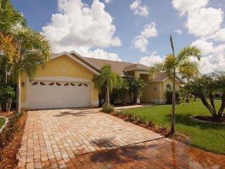 Holiday Villa Sunny Breeze Cape Coral - Cape Coral vacation rentals