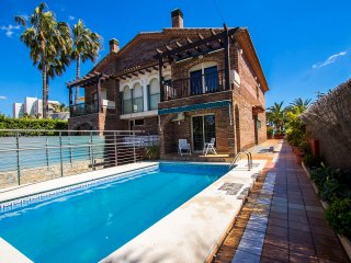 Alluring villa in Cambrils with sea views, just steps away from the beaches of - Cambrils vacation rentals