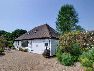 Beautiful spacious barn set in quiet countryside - Hawkhurst vacation rentals
