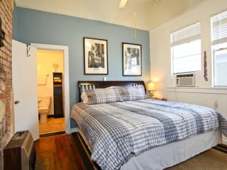 Quiet safe 100 yards to streetcar &  St Charles - New Orleans vacation rentals