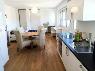 Ferienwohnung Kempf Apartment Flat Bodensee - Friedrichshafen vacation rentals