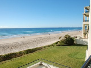 No 3 @Darenay 3 bedroom oceanfront Apartment - Mermaid Beach vacation rentals