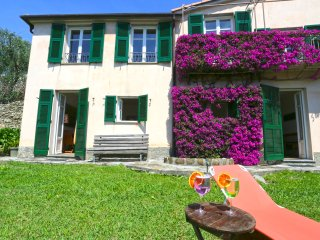 Andreas, private garden with sea view and veranda - Chiavari vacation rentals