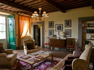 Suite Apartment in Villa with 2 Bedrooms - Lucca - Lucca vacation rentals