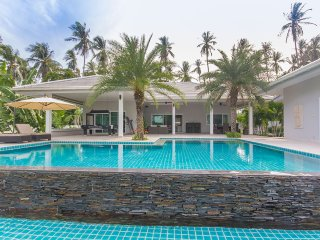 Villa Laemsor - Surat Thani vacation rentals