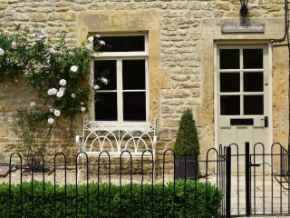 White Hart Cottage - Idyllic holiday cottage in Freshford, Bath - Freshford vacation rentals