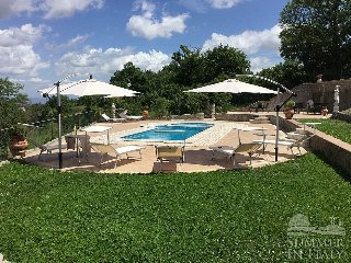Bright 8 bedroom Montefiascone House with Deck - Montefiascone vacation rentals