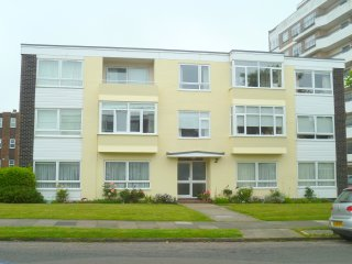 3 south house - Frinton-On-Sea vacation rentals