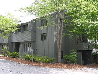 V012W- Managed by Loon Reservation Service - NH M&R:056365/Business ID:659647 - Lincoln vacation rentals