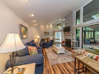 Pintail Court 1, 3 Bedroom, Pool, 3rd Row from Beach, Sleeps 10 - Hilton Head vacation rentals