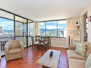 Mountain and Ocean Views, washer/dryer, WiFi, A/C, pool & parking! - Waikiki vacation rentals
