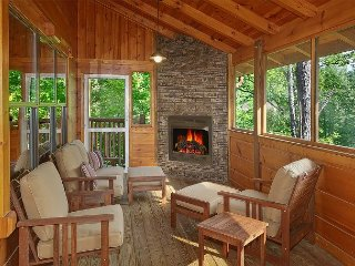 4 Bedroom Cabin with Screened in Porch and Outdoor Fireplace! - Gatlinburg vacation rentals