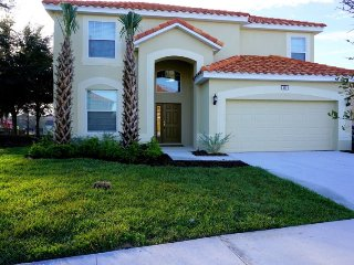 Book your vacation in this perfectly located 6 bedroom LARGER pool home in Aviana Resort Orlando, just minutes away from Walt Disney World Resort. - Davenport vacation rentals