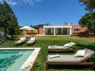 Wonderful 3 bedroom House in Es Vive - Es Vive vacation rentals
