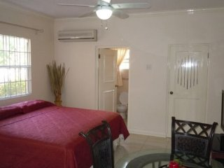 Jamaica Vacation Rentals - Luxurious Kingston Vacation Apartment, Havendale - Saint Andrew Parish vacation rentals
