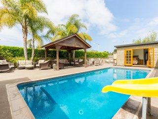 Spectacular Newport Beach 4 Bedroom Home + Pool - Newport Beach vacation rentals
